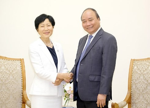 La directrice générale et présidente du FEM reçue par Nguyên Xuân Phuc - ảnh 1