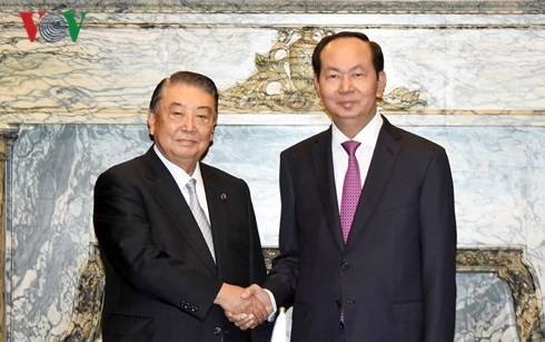 Le président vietnamien rencontre plusieurs dirigeants japonais - ảnh 1