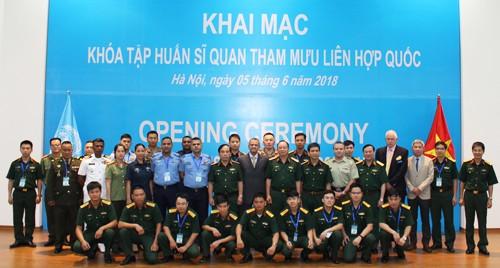 Formation d'officiers d'état-major pour l'ONU au Vietnam - ảnh 1