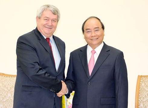 Nguyên Xuân Phuc reçoit le vice-président de la Chambre basse tchèque - ảnh 1