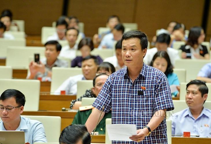 Le projet d'amendement de la loi sur l'enseignement supérieur en débat - ảnh 1