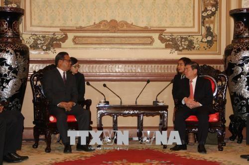 Une délégation du Congrès des Etats fédérés de Micronésie à Ho Chi Minh-ville - ảnh 1