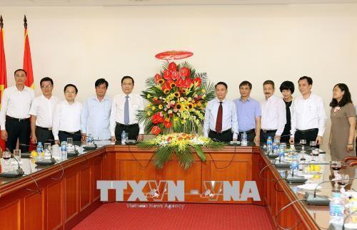 Fête de la presse: Le président du comité central du Front de la Patrie présente ses vœux - ảnh 1