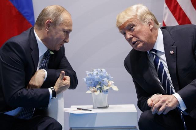 Un conseiller de Donald Trump à Moscou pour évoquer une rencontre avec Vladimir Poutine  - ảnh 1