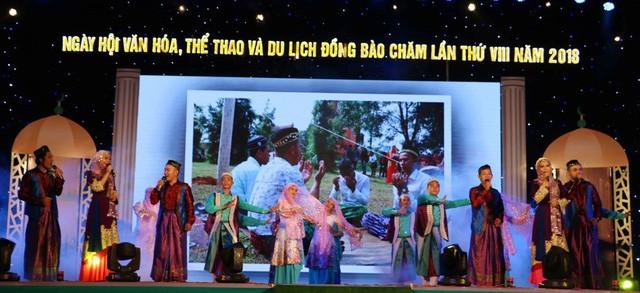 Ouverture de la Fête culturelle, sportive et touristique des Cham  - ảnh 1