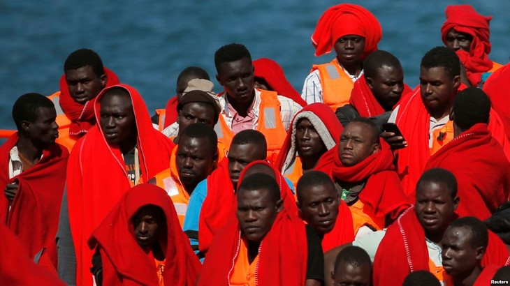 Plus de 600 migrants secourus en mer au large de l'Espagne - ảnh 1
