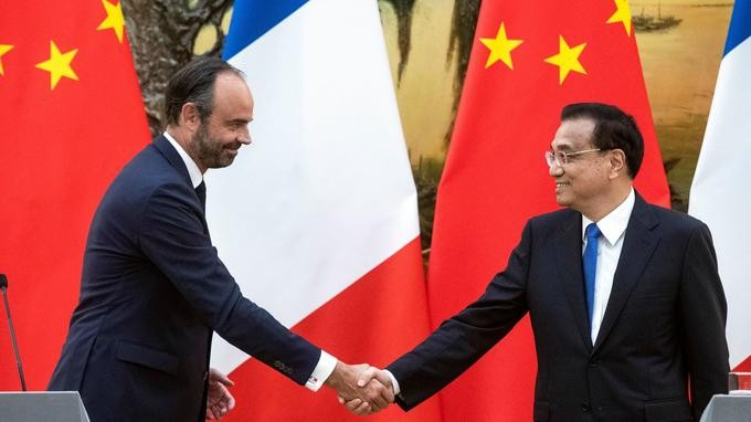 En Chine, Edouard Philippe obtient la levée de l'embargo sur le bœuf - ảnh 1