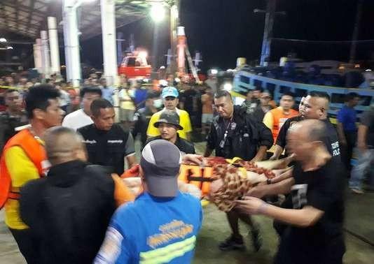 Thaïlande: au moins 13 morts et des dizaines de touristes disparus après le naufrage d'un bateau - ảnh 1