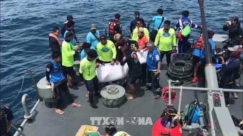 Au moins 42 morts dans le double naufrage en Thaïlande  - ảnh 1