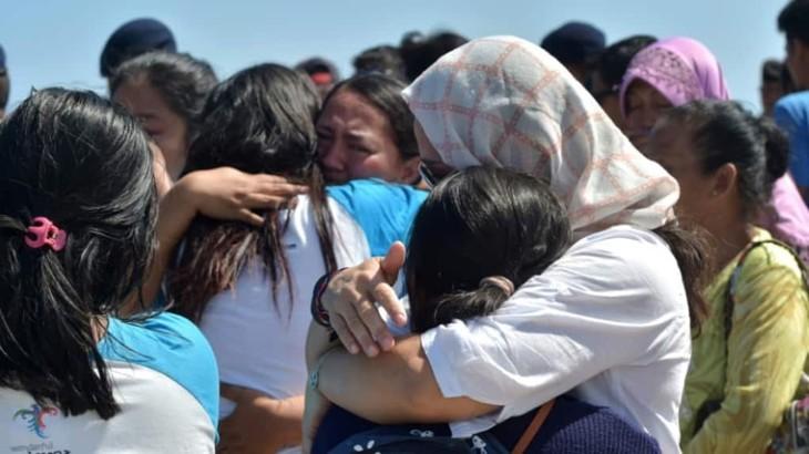 Indonésie : exode de touristes après un séisme dont le bilan s'alourdit - ảnh 1