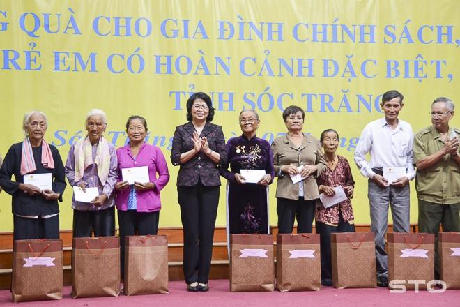 La vice-présidente Dang Thi Ngoc Thinh à Soc Trang - ảnh 1