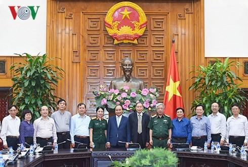 Nguyên Xuân Phuc reçoit des victimes de l'agent orange/dioxine - ảnh 1