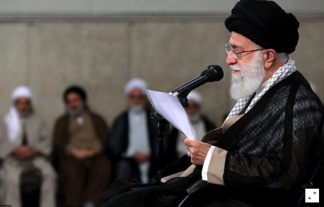 """Ali Khamenei: """"il n'y aura pas de guerre, ni de négociations avec les États-Unis"""" - ảnh 1"""