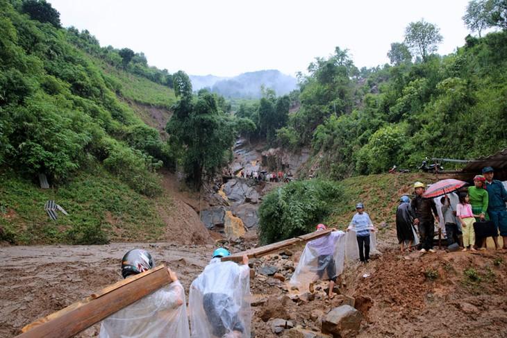 Inondations : réunion gouvernementale sur les aides aux foyers sinistrés  - ảnh 1