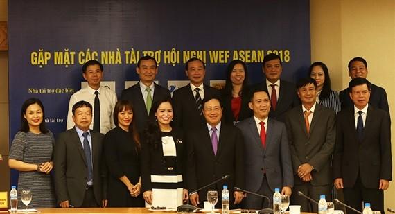 WEF ASEAN 2018: le vice-Premier ministre Pham Binh Minh rencontre les sponsors - ảnh 1