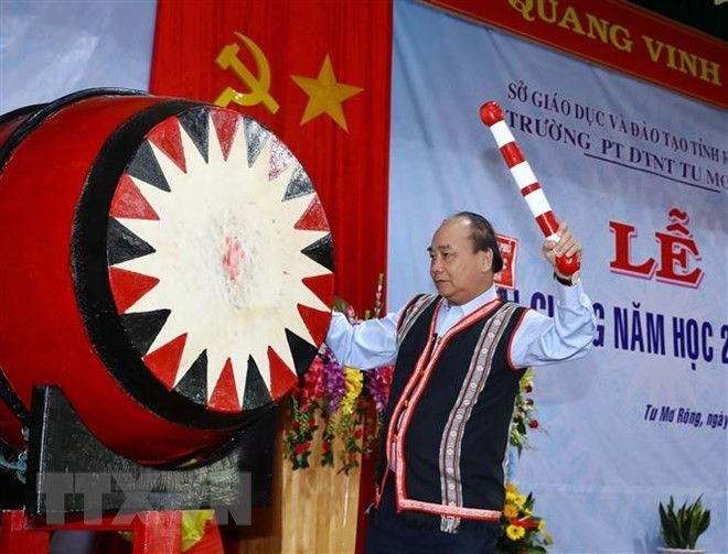 Des dirigeants à la rentrée scolaire dans des provinces - ảnh 2