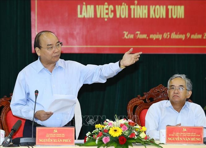 Nguyên Xuân Phuc travaille avec les dirigeants de la province de Kon Tum - ảnh 1