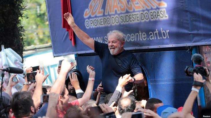 Brésil : Lula va abandonner la course à la présidentielle - ảnh 1