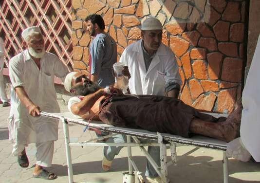 Attentat en Afghanistan: le bilan s'élève à 68 morts - ảnh 1