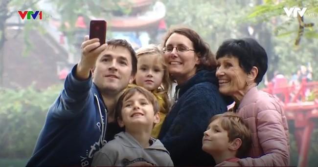 Hanoï a accueilli près de 20 millions de touristes - ảnh 1
