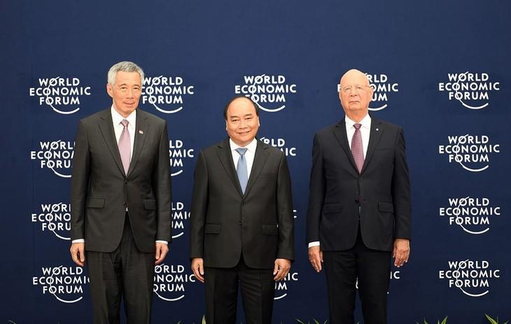 WEF ASEAN - 2018: cérémonie d'accueil en l'honneur des chefs de délégation - ảnh 1