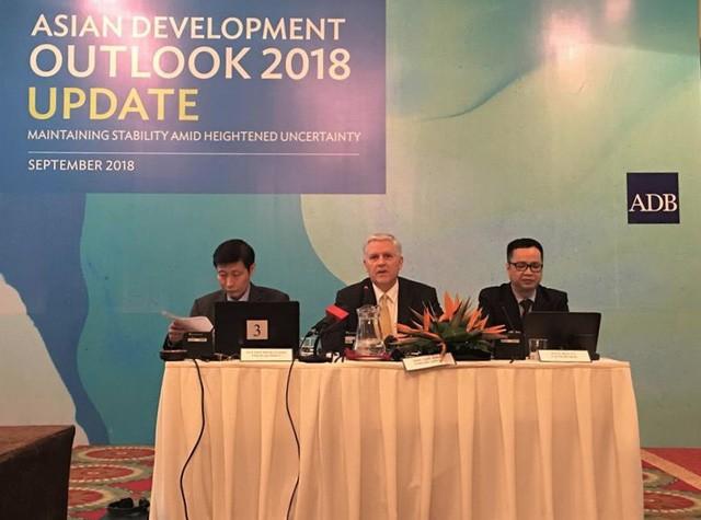 La BAD prévoit une croissance du Vietnam de 6,9% en 2018 - ảnh 1