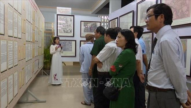 Exposition sur les archipels de Hoang Sa et Truong Sa à Phu Yen - ảnh 1