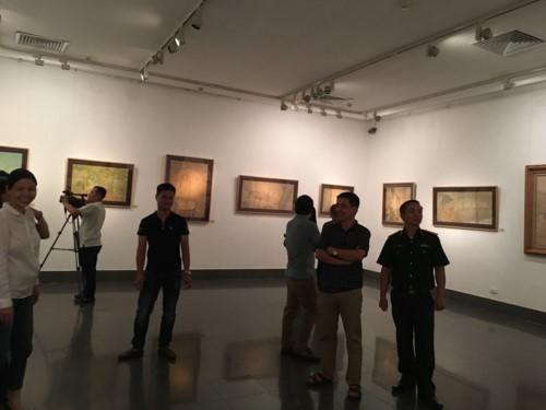 """Exposition """"Couleurs du papier Do 2018"""" - L'émotion de l'automne de Hanoi - ảnh 1"""