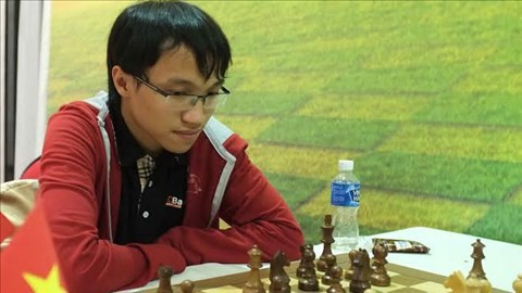 Nguyên Ngoc Truong Son, médaille d'or à l'Olympiade d'échecs de Batoumi - ảnh 1