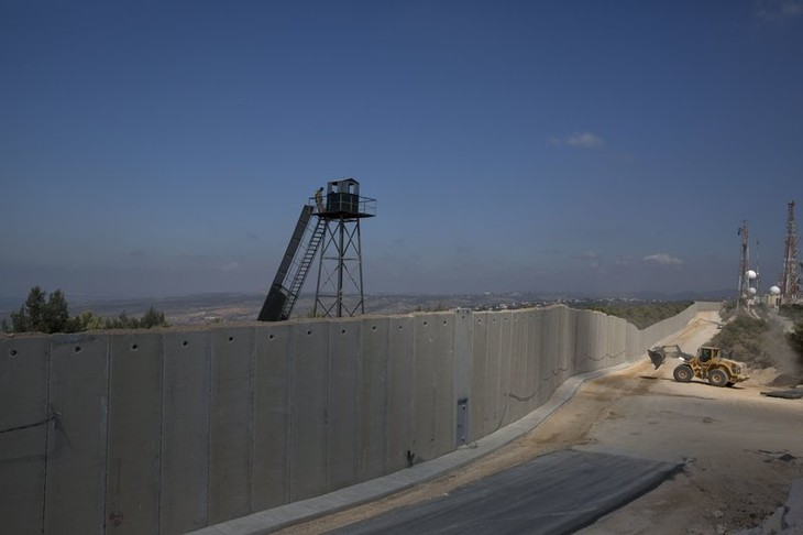 Israël reprend la construction d'un mur de béton à la frontière avec le Liban - ảnh 1