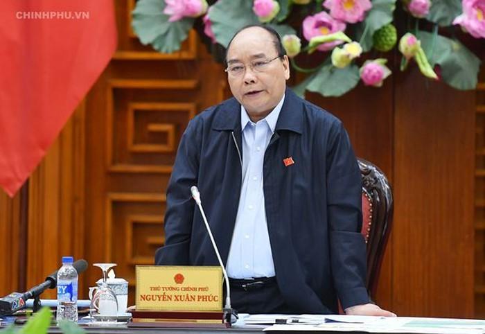 Nguyên Xuân Phuc préside une réunion sur le glissement de terrain dans le Centre - ảnh 1