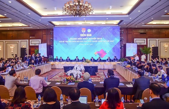 Clôture du 1er Forum mondial des jeunes intellectuels vietnamiens - ảnh 1