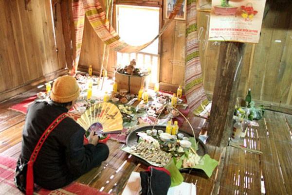 Le plateau d'offrandes du Têt des Muong Vang - ảnh 1