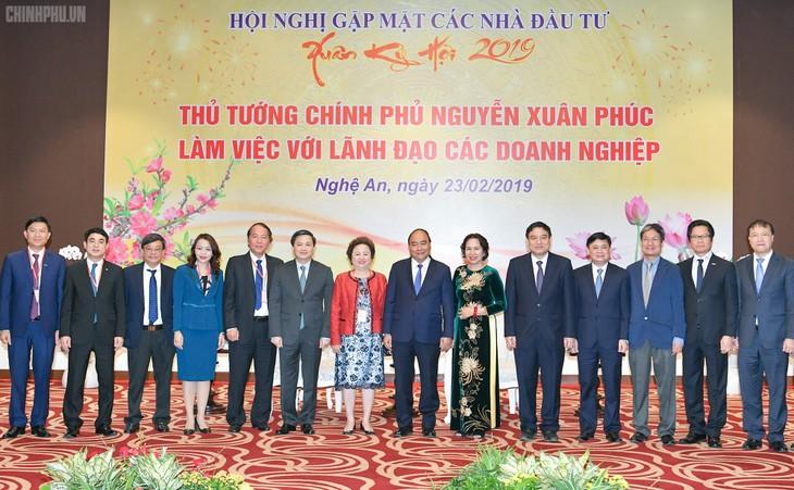 Nghê An: le Premier ministre reçoit de grands investisseurs - ảnh 1