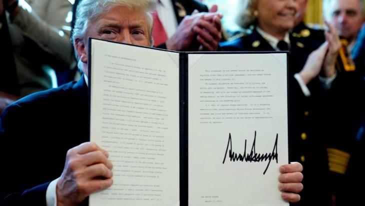 Donald Trump met son veto à l'annulation par le Congrès de l'urgence nationale - ảnh 1