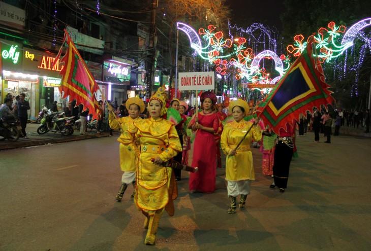 La fête en hommage à Lê Chân, trait d'union entre le passé et le présent - ảnh 1