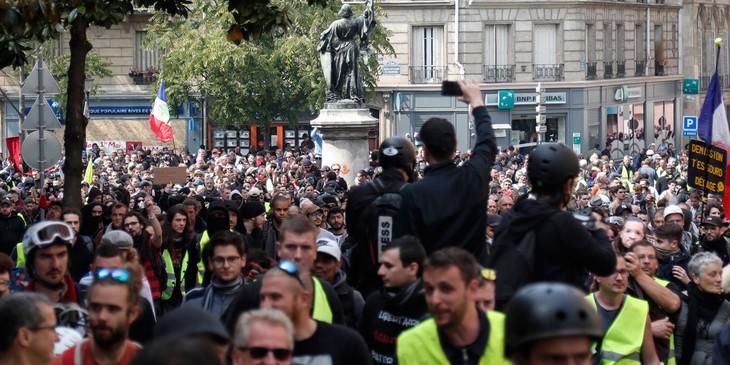 Fête du Travail : 164.500 manifestants en France, des heurts à Paris - ảnh 1