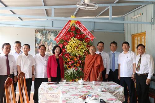 Vesak: Truong Thi Mai formule ses voeux aux bouddhistes de Cân Tho - ảnh 1
