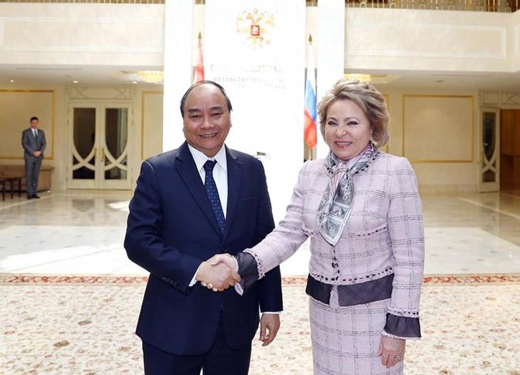 Le Premier ministre vietnamien rencontre la présidente du Conseil de la Fédération de Russie - ảnh 1