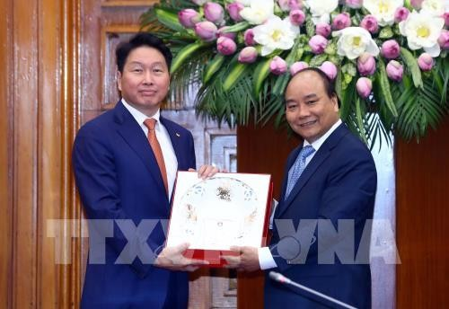 Le Premier ministre vietnamien reçoit le président du groupe sud-coréen SK - ảnh 1