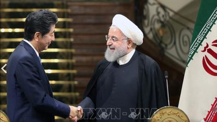 Attendu à Téhéran, le Premier ministre Japonais veut faire baisser la tension Iran-USA - ảnh 1
