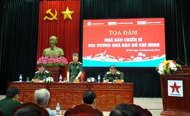 Hô Chi Minh et le journaliste militaire - ảnh 1