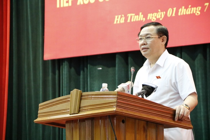 Rencontre du vice-Premier ministre Vương Dinh Huê avec les électeurs à Hà Tinh - ảnh 1