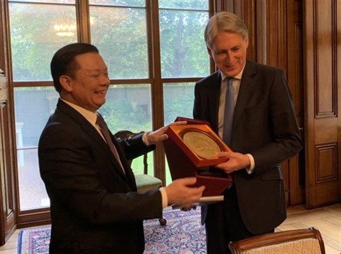 Vietnam et Royaume-Uni partagent des expériences dans la finance - ảnh 1