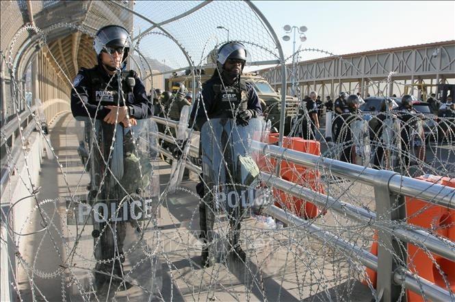 Washington envoie de nouveaux renforts à la frontière mexicaine - ảnh 1