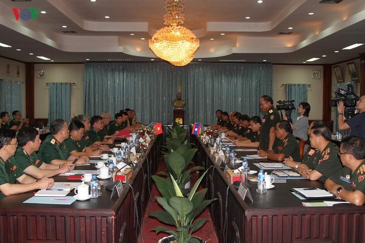 Dynamiser la coopération défensive entre le Vietnam et le Laos - ảnh 1