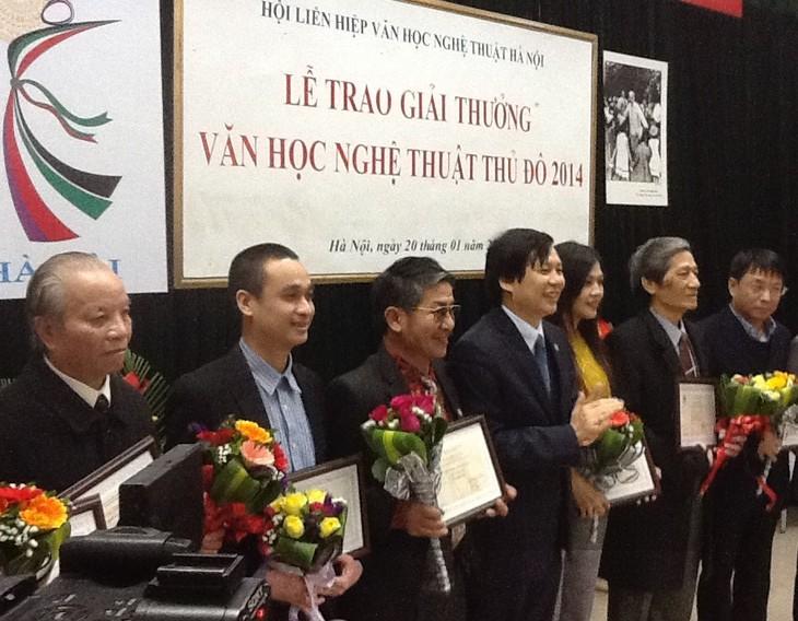 Trao giải thưởng văn học nghệ thuật Thủ đô 2013 - 2014 - ảnh 1