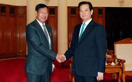 Thủ tướng Nguyễn Tấn Dũng tiếp Bộ trưởng Bộ Thông tin Myanmar Ye Htut - ảnh 1