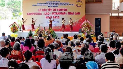 Lễ hội Tết cổ truyền Campuchia - Lào - Myanmar - Thái Lan - ảnh 1