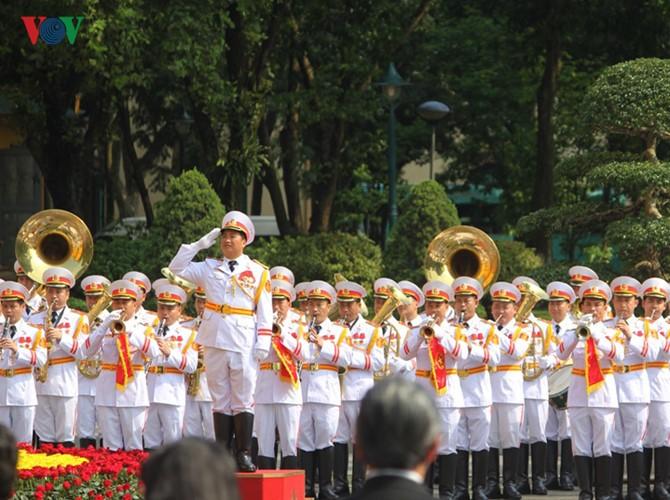 Lễ đón chính thức Tổng Bí thư, Chủ tịch nước Lào tại Hà Nội - ảnh 1